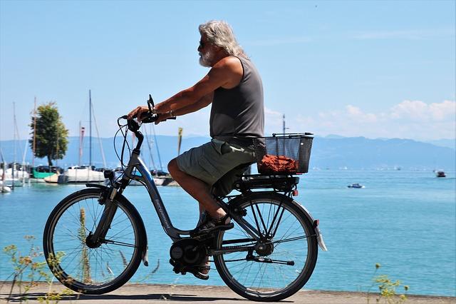 faire du vélo électrique à la retraite